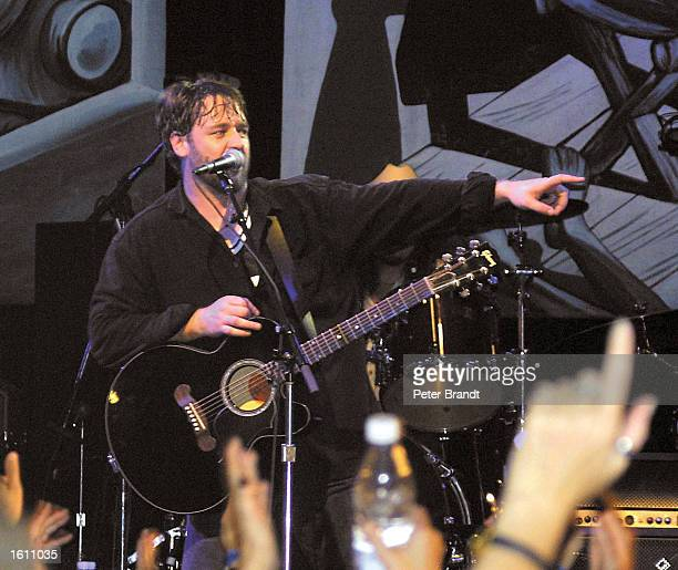 Actor Russell Crowe performs with his band Thirty Odd Foot of Grunts at the House Of Blues August 26, 2001 in Los Angeles, CA.