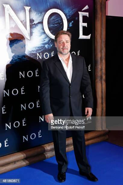 Actor Russell Crowe poses as he arrives for the Paris premiere of 'Noah' directed by Darren Aronofsky at Cinema Gaumont Marignan on April 1 2014 in...