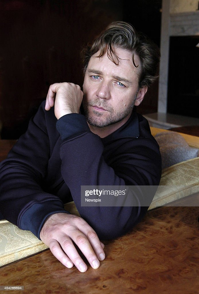 Actor Russell Crowe poses in his hotel room at The Park Hyatt, on March 27, 2006 in Melbourne, Australia.