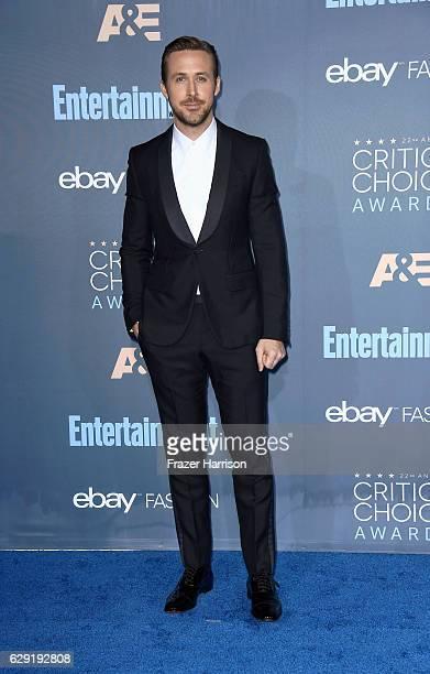 Actor Ryan Gosling attends The 22nd Annual Critics' Choice Awards at Barker Hangar on December 11 2016 in Santa Monica California
