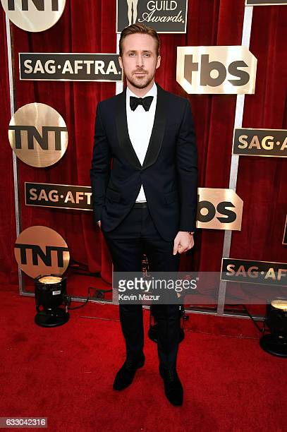 Actor Ryan Gosling attends The 23rd Annual Screen Actors Guild Awards at The Shrine Auditorium on January 29 2017 in Los Angeles California 26592_011