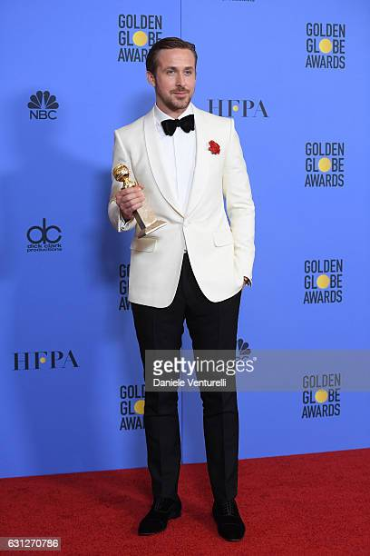 Actor Ryan Gosling poses in the press room during the 74th Annual Golden Globe Awards at The Beverly Hilton Hotel on January 8 2017 in Beverly Hills...