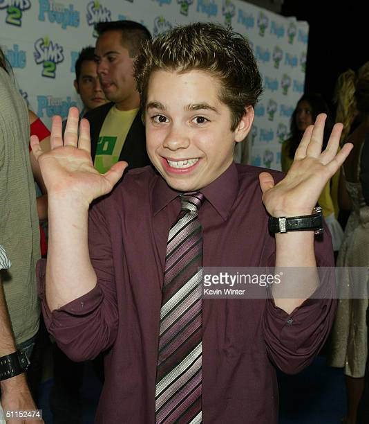 """Actor Ryan Pinkston arrives at Teen People's """"Young Hollywood"""" party at the Teen People Mansion August 7, 2004 in Los Angeles, California."""