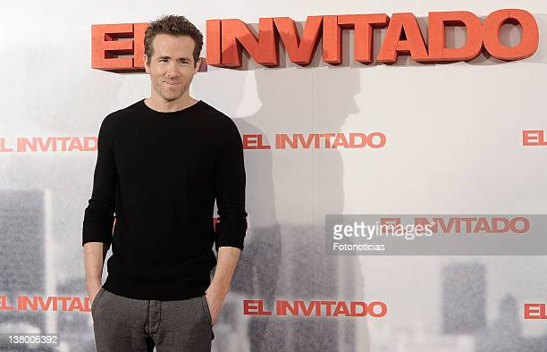 Actor Ryan Reynolds attends a photocall for 'El Invitado' at the Villamagna Hotel on January 31, 2012 in Madrid, Spain.