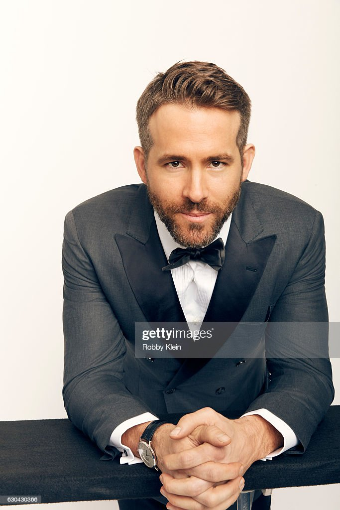 Actor Ryan Reynolds poses for a portrait during the 2016 Critics Choice Awards on December 11, 2016 in Santa Monica, California