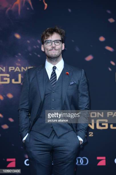 Actor Sam Claflin attends the world premiere of the film 'The Hunger Games Mockingjay Part 2' in Berlin Germany 4 November 2015 Photo Britta...