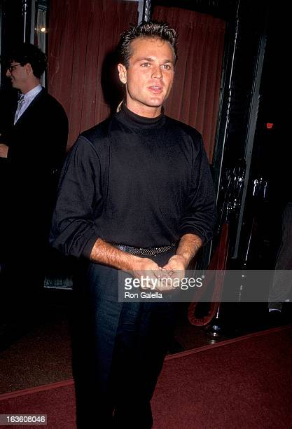 Actor Sam Harris attends the Third Annual 'Commitment to Life' Gala to Benefit AIDS Project Los Angeles on November 1 1987 at the Wiltern Theatre in...