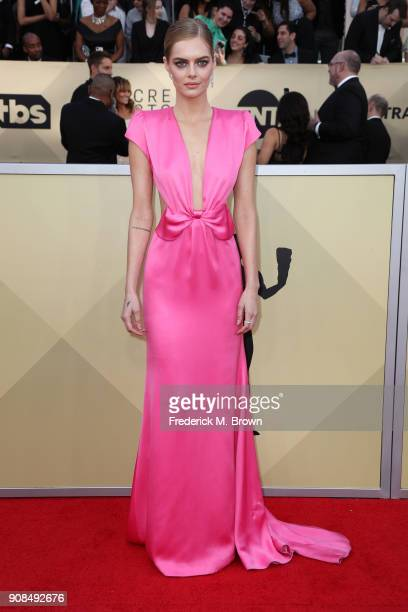 Actor Samara Weaving attends the 24th Annual Screen Actors Guild Awards at The Shrine Auditorium on January 21 2018 in Los Angeles California...