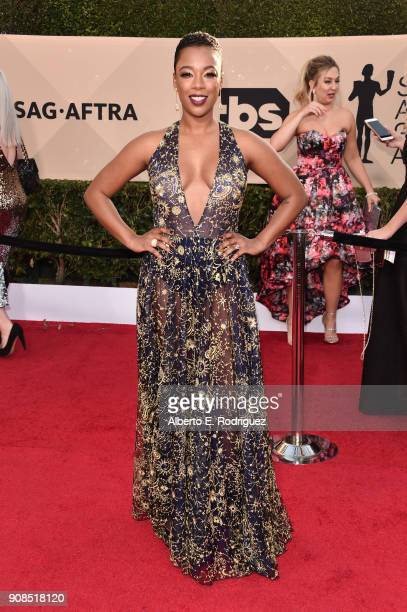 Actor Samira Wiley attends the 24th Annual Screen Actors Guild Awards at The Shrine Auditorium on January 21 2018 in Los Angeles California 27522_006