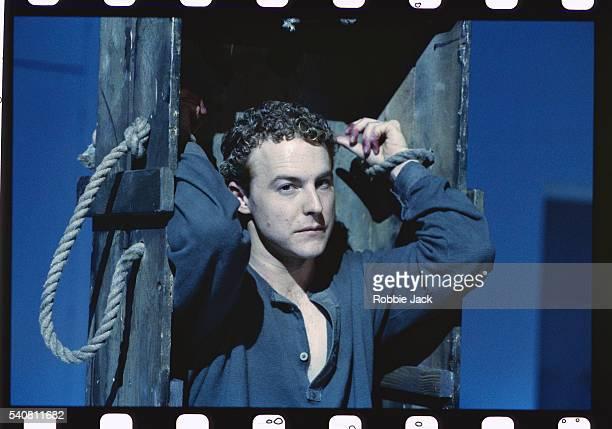 actor samuel west in richard ii - robbie jack stock-fotos und bilder