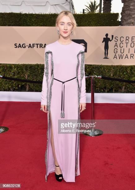Actor Saoirse Ronan attends the 24th Annual Screen Actors Guild Awards at The Shrine Auditorium on January 21 2018 in Los Angeles California 27522_006