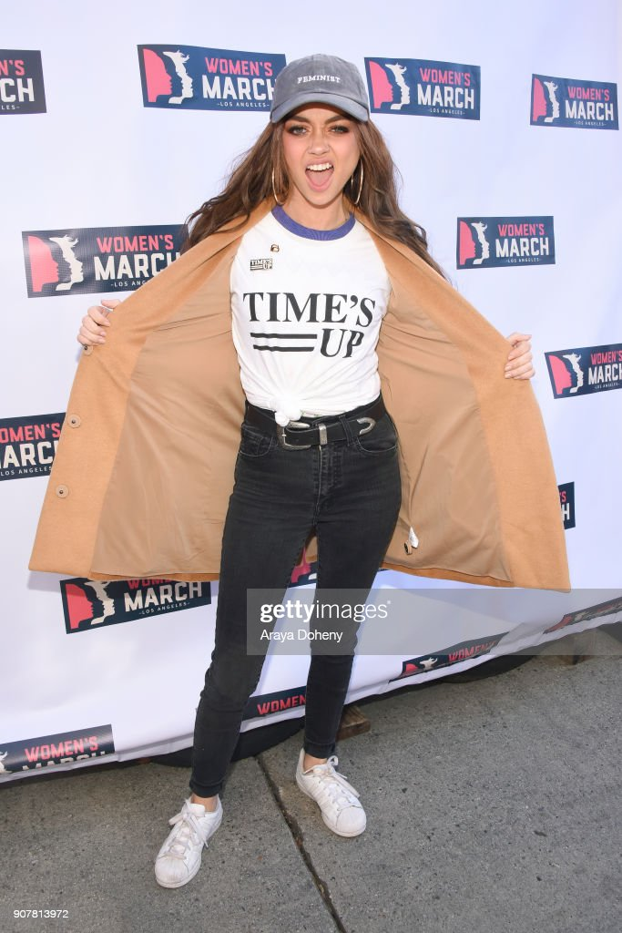 Actor Sarah Hyland at 2018 Women's March Los Angeles at Pershing Square on January 20, 2018 in Los Angeles, California.
