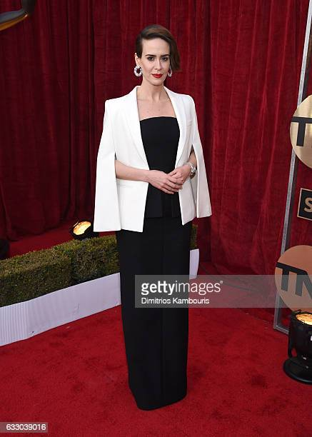 Actor Sarah Paulson attends The 23rd Annual Screen Actors Guild Awards at The Shrine Auditorium on January 29 2017 in Los Angeles California 26592_009