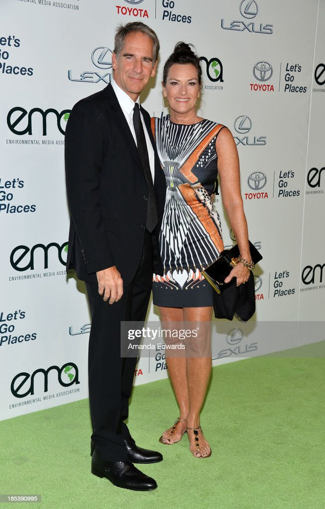 2013 Environmental Media Awards - Arrivals : News Photo