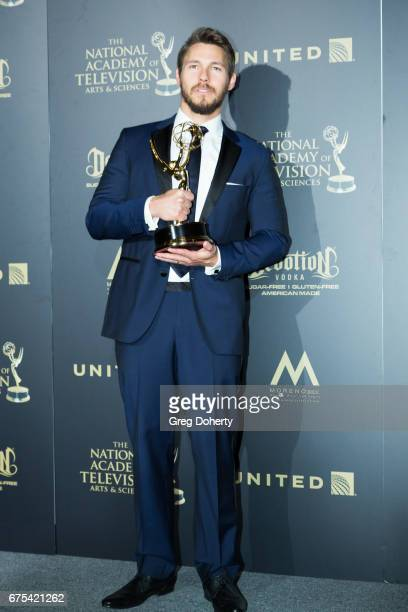 Actor Scott Clifton displays his Emmy Award at the 44th Annual Daytime Emmy Awards at Pasadena Civic Auditorium on April 30 2017 in Pasadena...