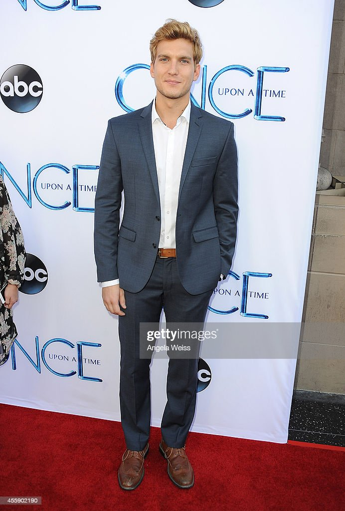 Actor Scott Michael Foster attends ABC's 'Once Upon A Time' Season 4 red carpet premiere at the El Capitan Theatre on September 21, 2014 in Hollywood, California.
