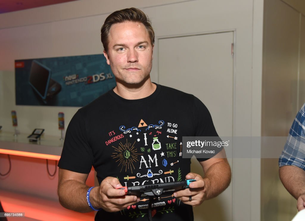 Actor Scott Porter visits the Nintendo booth at the 2017 E3 Gaming Convention at Los Angeles Convention Center on June 13, 2017 in Los Angeles, California.