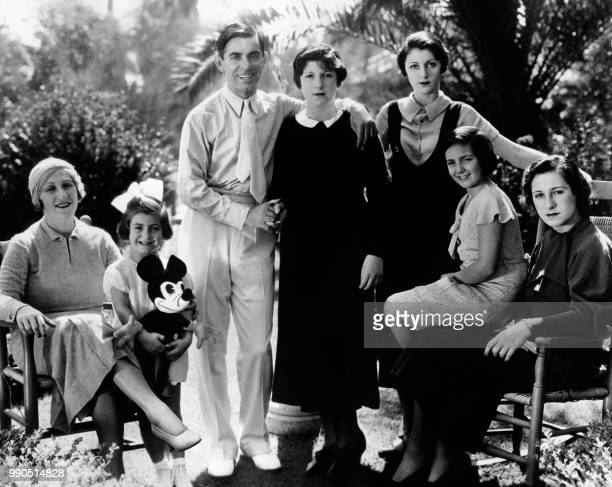 US actor screenwriter and film producer Eddie Cantor and his wife Ida pose with their daughters Janet Edna Natalie Marilyn and Marjorie on March 31...