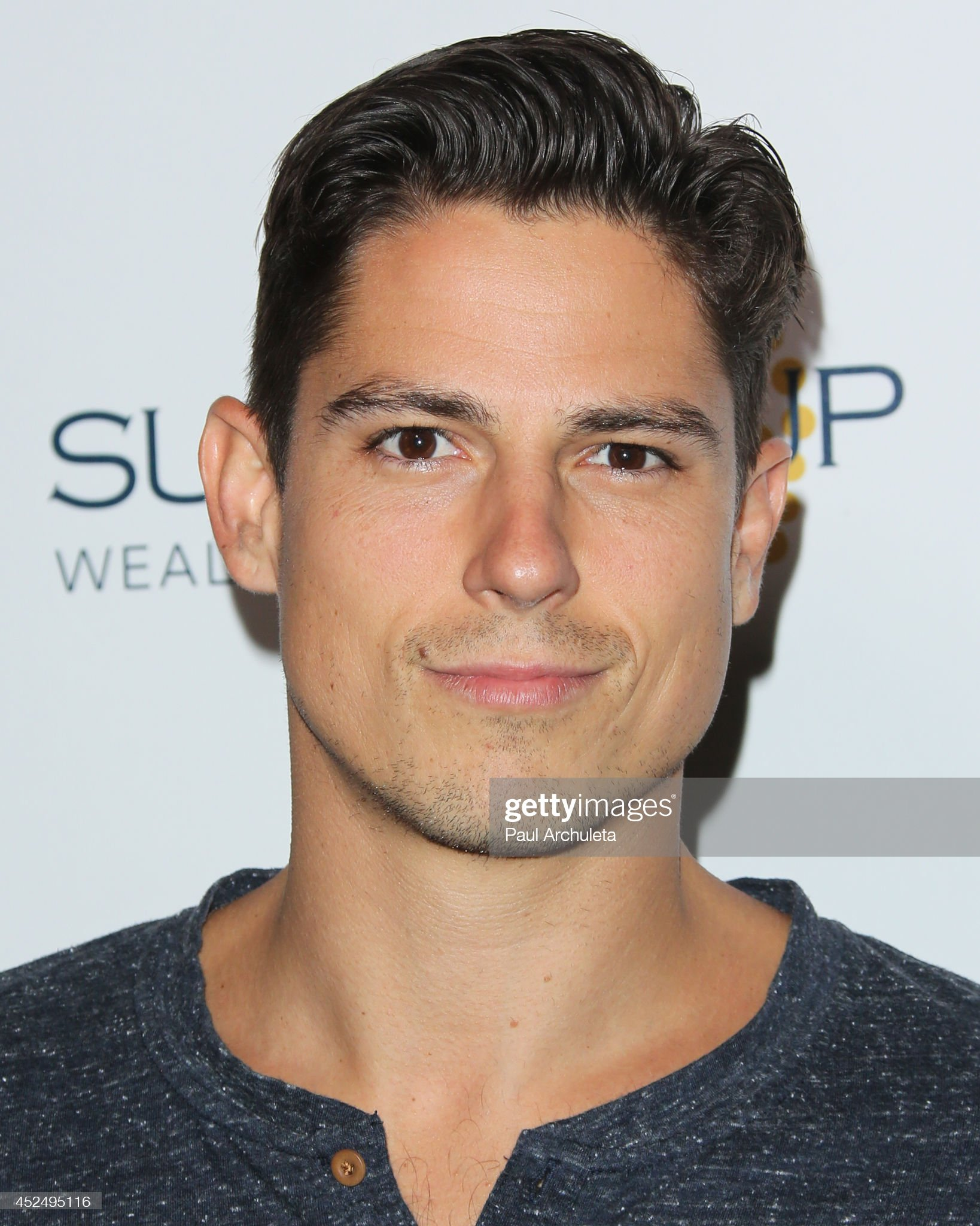 ¿Cuánto mide Sean Faris? - Altura - Real height Actor-sean-faris-attends-matt-leinart-foundations-8th-annual-bowl-picture-id452495116?s=2048x2048