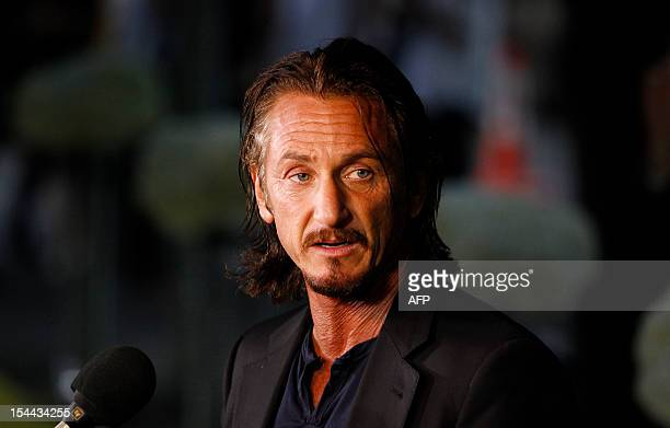 Actor Sean Penn arrives for ÔAn Evening with LivestrongÕ at the Austin Convention Center on October 19 2012 in Austin Texas AFP PHOTO/Aaron M Sprecher