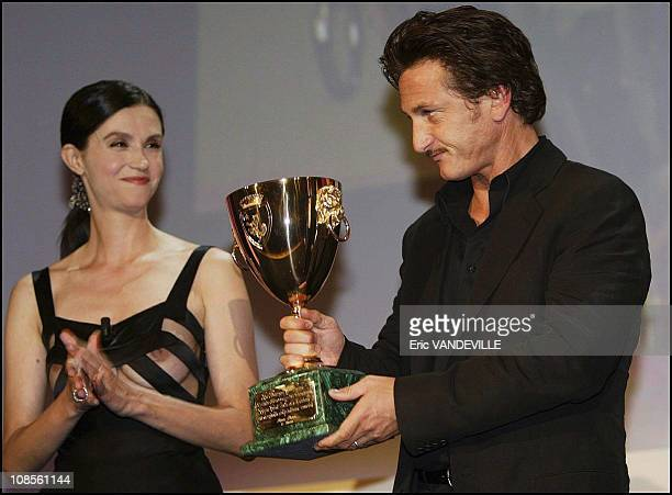 US actor Sean Penn 'Best actor' and France actress Alessandra Martinez in Venice Italy on September 6th 2003