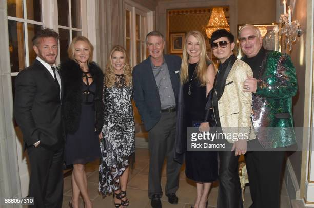 Actor Sean Penn singersongwriter Jewel Tracie Hamilton of J/P HRO Senator Bill Frist Tracey Frist and hosts Newman Arndt and Johnathon Arndt attend...