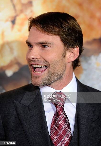 Actor Seann William Scott arrives at the Premiere of Universal Pictures' 'American Reunion' at Grauman's Chinese Theatre on March 19 2012 in...