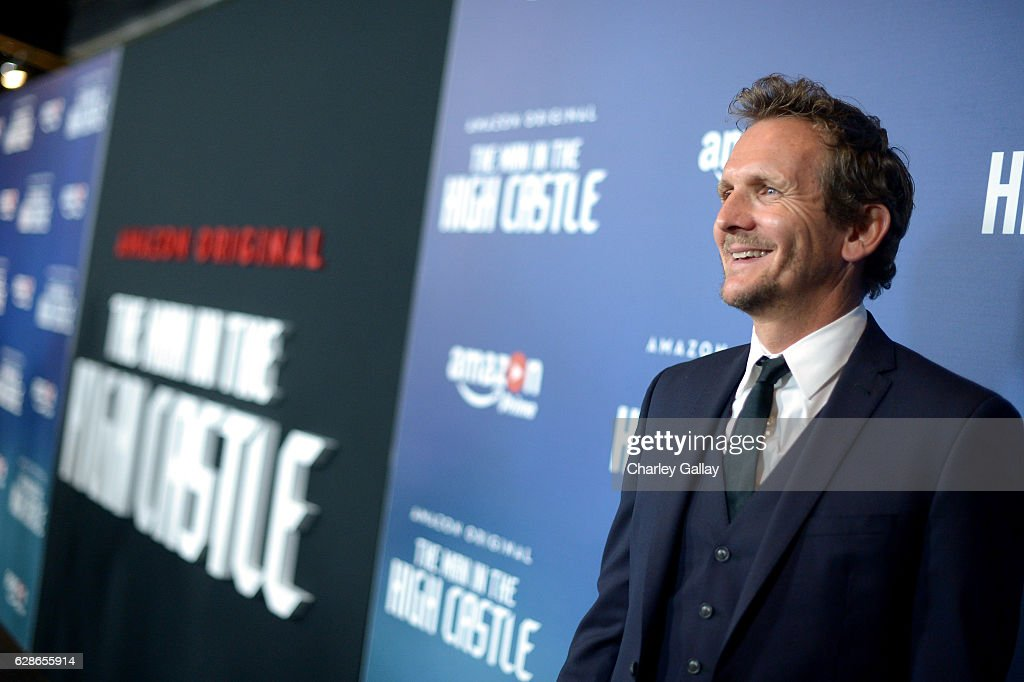 actor sebastian roche attends the amazon red carpet season two premiere screening of emmy award winning