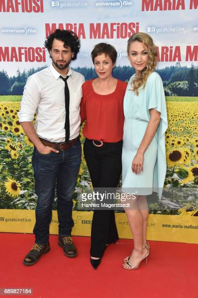 Actor Serkan Kaya Jule Ronstedt and Lisa Maria Potthoff during the 'Maria Mafiosi' Premiere at Sendlinger Tor Filmpalast on May 29 2017 in Munich...
