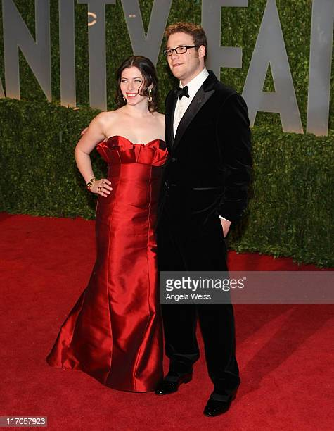 Actor Seth Rogen and guest arrive at the 2009 Vanity Fair Oscar Party hosted by Graydon Carter held at the Sunset Tower on February 22 2009 in West...
