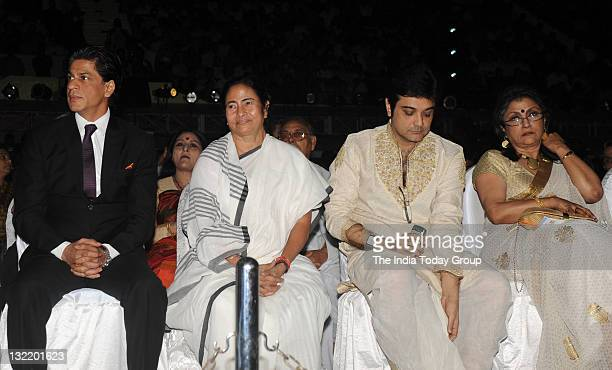 Actor Shah Rukh Khan West Bengal chief minister Mamata Banerjee Prasenjit and Aparna Sen during the inaugural of 17th Kolkata film festival on...