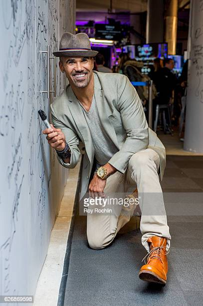"""Actor Shemar Moore discusses """"The Bounce Back"""" during the Build Series at AOL HQ on November 30, 2016 in New York City."""