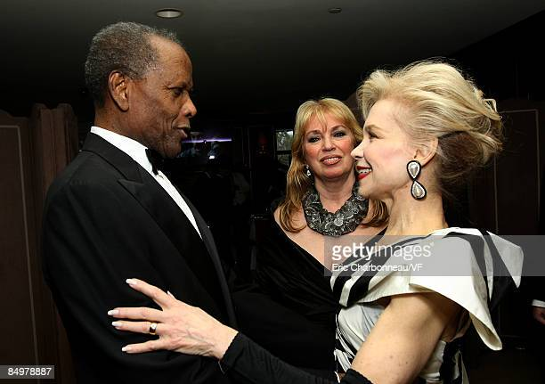 Actor Sidney Poitier and Joanna Shimkus attend the 2009 Vanity Fair Oscar party hosted by Graydon Carter at the Sunset Tower Hotel on February 22...