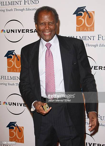 Actor Sidney Poitier arrives at the Fulfillment Fund STARS 2007 Annual Benefit Gala on October 23 2007 at the Beverly Hills Hilton Hotel in Beverly...