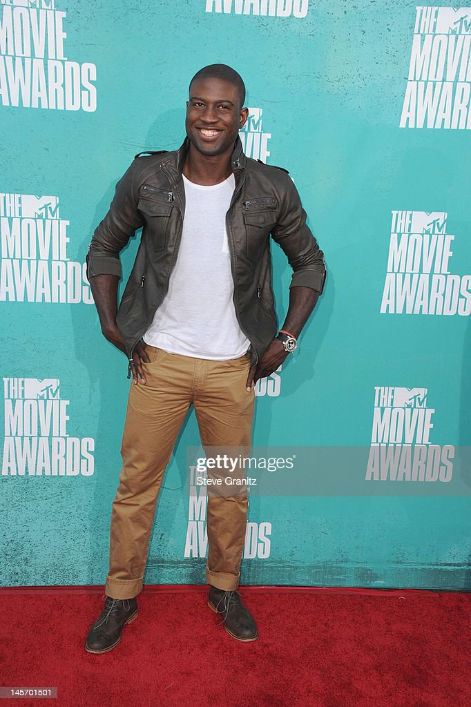 Actor Sinqua Walls arrives at the 2012 MTV Movie Awards at Gibson Amphitheatre on June 3, 2012 in Universal City, California.
