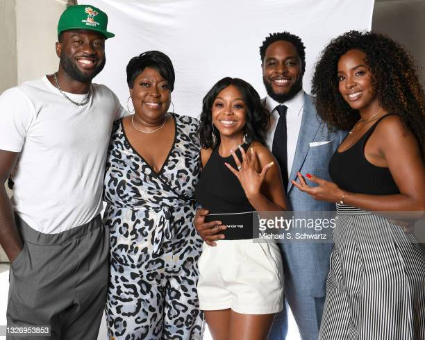Actor Sinqua Walls, comedian Loni Love, actress Bresha Webb, writer Nick Jones Jr. And singer Kelly Rowland pose during their attendance at the Nick...