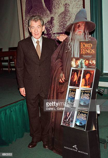 Actor Sir Ian McKellen makes an appearance at Barnes and Nobles in New York City on November 8 2001 to promote the new book 'The Lord of the Rings...