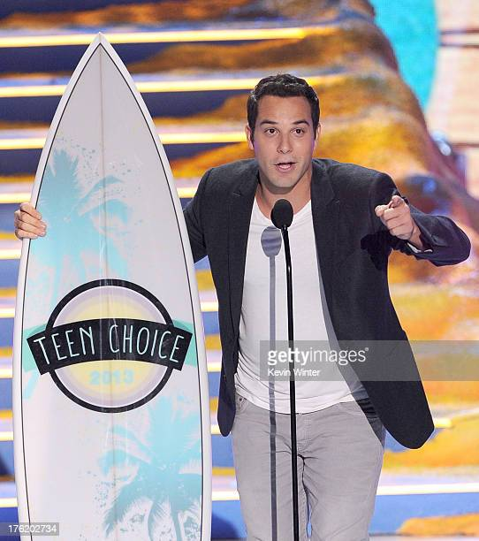 Actor Skylar Astin accepts Choice Movie Actor for Pitch Perfect onstage during the Teen Choice Awards 2013 at Gibson Amphitheatre on August 11 2013...