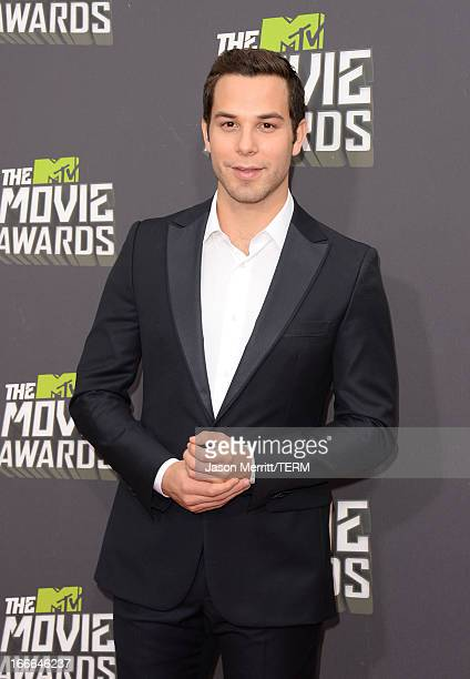 Actor Skylar Astin arrives at the 2013 MTV Movie Awards at Sony Pictures Studios on April 14 2013 in Culver City California