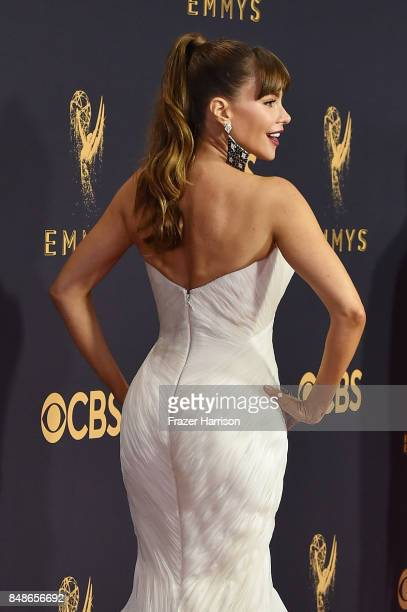 b6508594311d2 Actor Sofia Vergara attends the 69th Annual Primetime Emmy Awards at  Microsoft Theater on September 17
