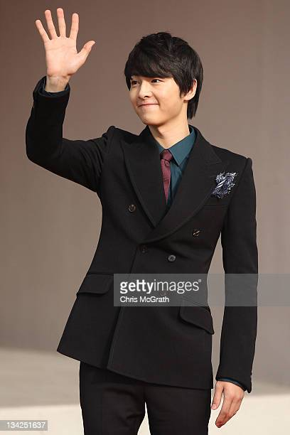 Actor Song JoongKi arrives at the 2011 Mnet Asian Music Awards at the Singapore Indoor Stadium on November 29 2011 in Singapore