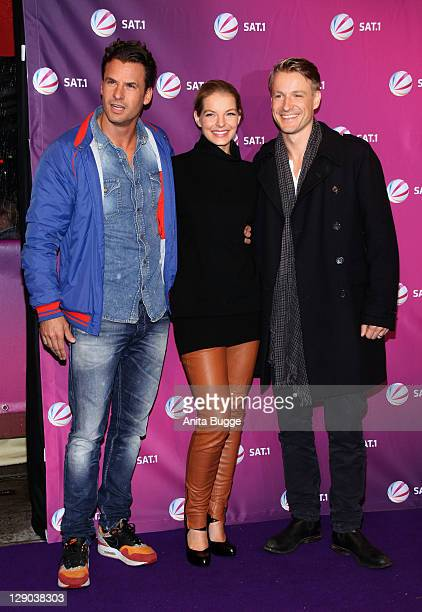 Actor Stephan Luca actress Yvonne Catterfeld and actor Max von Pufendorf attend the Am Ende Der Hoffnung photocall on October 11 2011 in Berlin...