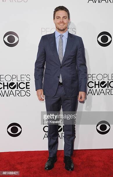 Actor Stephen Amell arrives at The 40th Annual People's Choice Awards at Nokia Theatre LA Live on January 8 2014 in Los Angeles California