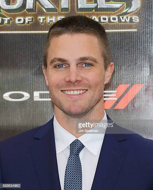 Actor Stephen Amell attends the 'Teenage Mutant Ninja Turtles Out Of The Shadows' world premiere at Madison Square Garden on May 22 2016 in New York...
