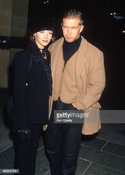 Actor Stephen Baldwin and wife Kennya attend the Mrs Parker and the Vicious Circle Los Angeles Premiere on December 15 1994 at the Los Angeles County...