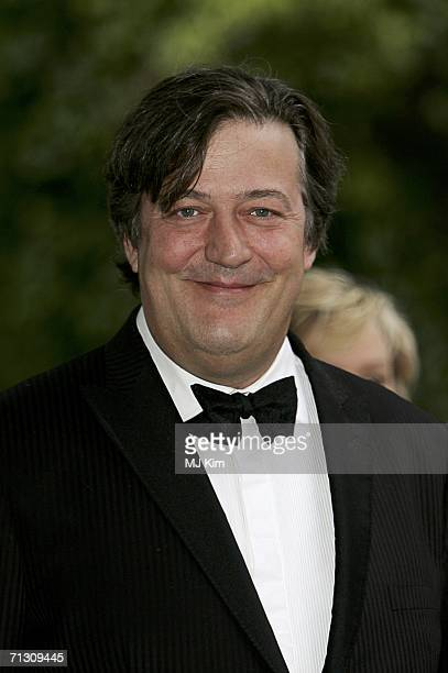 Actor Stephen Fry arrives at the fundraising event 'Elephant Durbar' arranged by Londonbased charity elephant family on June 27 2006 in Richmond...