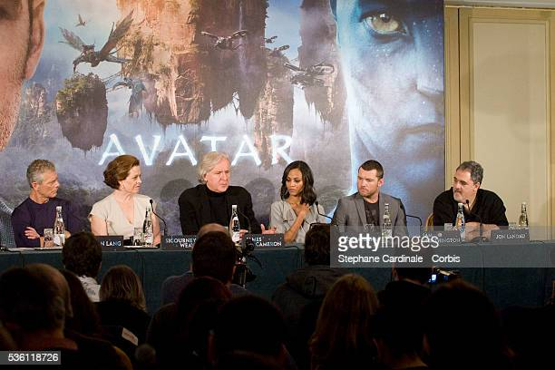 Actor Stephen Lang actress Sigourney Weaver director James Cameron actress Zoe Saldana actor Sam Worthington and producer John Landau attend 'Avatar'...