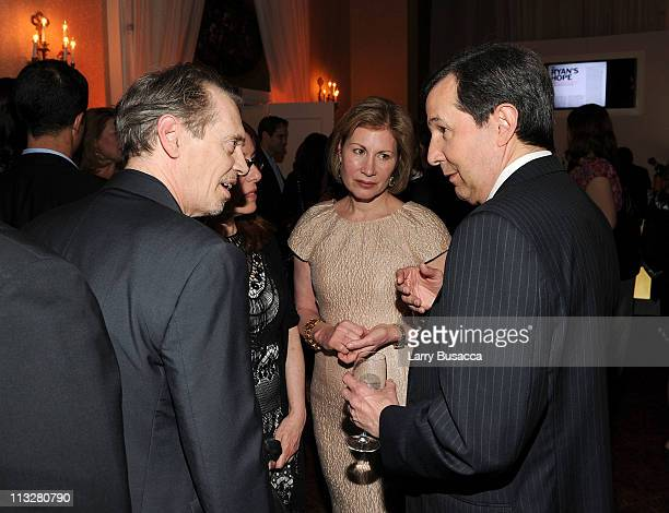 Actor Steve Buscemi Jo Andres and journalist Chris Wallace attend the People/TIME White House Correspondents' dinner cocktail party at the St Regis...