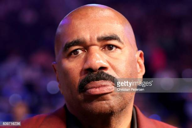 Actor Steve Harvey attends the super welterweight boxing match between Floyd Mayweather Jr and Conor McGregor on August 26 2017 at TMobile Arena in...
