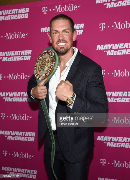 Actor Steve Howey arrives on TMobile's magenta carpet duirng the Showtime WME IME and Mayweather Promotions VIP PreFight Party for Mayweather vs...